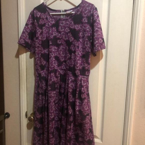 LuLaRoe Dresses & Skirts - LuLaRoe Floral Amelia with Pockets